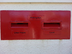 Brodick Post Office post box (welsh snapper) Tags: postoffice postbox letterbox royalmail brodick postingbox flickrandroidapp:filter=none