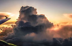 ber den Wolken... (claudecastor) Tags: voyage travel licht reisen sonnenuntergang urlaub wolke wolken cumulus