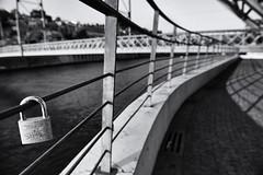 6381 ~ Joana & Simo (Teresa Teixeira) Tags: bridge love porto padlocks vilanovadegaia cadeados lovelocks pontedlus teresateixeira dlusbridge