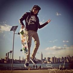Skater Girl (ta2lydia.photoshots) Tags: newyorkcity brooklyn levitation skateboard williamsburg skater trickphotography williamsburgwaterfront kentave brooklynnewyork vintagephotography newyorkcityparks skaterphotography uploaded:by=flickrmobile flickriosapp:filter=nofilter williamsburgphotography levetationphotography