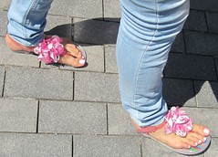 Sexy female toes (dani897) Tags: feet toes sandals sexytoes sexyfeet femalefeet femaletoes