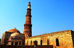 1IMG_3188 QUTAB MINAR AND IMAM ZAMIN'S TOMB IN DELHI INDIA (Rajeev India (THANKS for views, comments n faves)) Tags: india delhi tomb and minar imam qutab in zamins