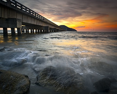 Bridge to nowhere..Pulau Bunting sunset (Kamaruz Zaman) Tags: canon seascapes malaysia singhray leefilter