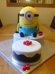 Minion Happy Birthday Kevin Minion cake (noo &