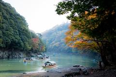 Arashiyama, Kyoto (Takashi(aes256)) Tags: japan river boat kyoto arashiyama 京都 紅葉 嵐山 船 川 colouredleaves kyotoprefecture nikond5200 sigma1835mmf18dchsm