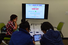 "Hour of Code 12-4-13 (2) • <a style=""font-size:0.8em;"" href=""http://www.flickr.com/photos/88229021@N04/11398463976/"" target=""_blank"">View on Flickr</a>"