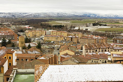 Snowy roofs in Avila (Eduardo Estllez) Tags: espaa blanco horizontal nieve nevada ciudad paisaje invierno nublado frio tejados puro avila montaas tejas nevados meteorologia castillayleon invernal eduardoestellez estellez