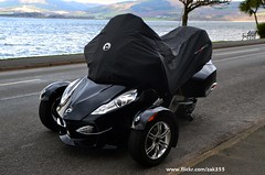 Can am Spyder (Zak355) Tags: bike scotland motorbike trike 3wheeler rothesay isleofbute canamspyder