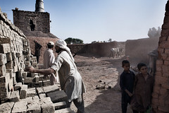 Lavoratori della fabbrica di mattoni