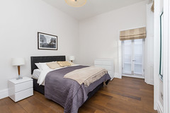 Bedroom, Central London (jrmsctt) Tags: london architecture canon photography design bedroom interiors realestate property 7d interiordesign 1022mm