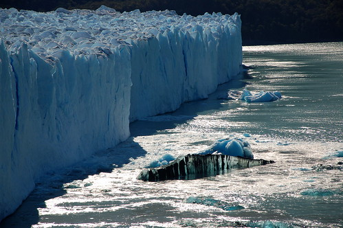 """Lodowiec Perito Moreno - niesamowity! <a style=""""margin-left:10px; font-size:0.8em;"""" href=""""http://www.flickr.com/photos/125852101@N02/16514884536/"""" target=""""_blank"""">@flickr</a>"""