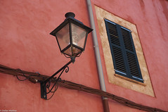 lantern on red wall (picturesbywalther) Tags: red rot window wall fenster wand lantern laterne fassade mauer