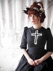 Ghostly (gloomth) Tags: fashion dark ghost crosses eerie pale creepy story fangs ghostly vampires gloomth