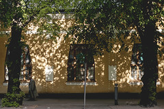 143/366 (Niko Saarinen) Tags: street shadow suomi finland shadows streetphotography minimal symmetric lahti visitfinland