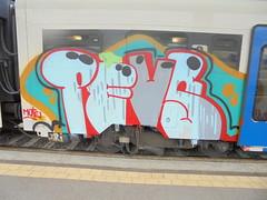752 (en-ri) Tags: train writing torino graffiti grigio crew rosso azzurro mute pevs