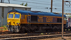 66705 (JOHN BRACE) Tags: 2001 canada london station golden jubilee small loco 66 class heath gb co service passing seen built named 1110 doncaster livery 1513 tilcon rylstone railfreight gmemd 66705