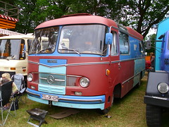 Mercedes-Benz Camper (Zappadong) Tags: auto camping classic car truck automobile voiture coche mercedesbenz classics oldtimer caravan camper mobilehome oldie carshow wohnmobil lastwagen lkw youngtimer 2016 automobil bockhorn mobilhome oldtimertreffen zappadong