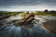 Marea baja, al descubierto (OAG007) Tags: atardecer mar rocas piedras barrika cantbrico