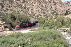 Southern Pacific AC4400CW #272 and #233 at Price Canyon Utah on 7-14-96 (LE_Irvin) Tags: southernpacific ac4400cw pricecanyonut