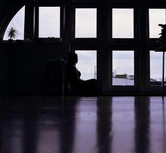 Anna (Juliet Alpha November) Tags: light shadow portrait 120 6x6 film home window analog licht fuji jan portrt pro medium format analogue fester schatten rollfilm fujicolor mittelformat meifert 160ns homeshooting