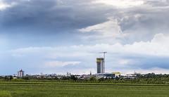 Fellbach mit GEWA-Tower (Gerosas) Tags: panorama juni himmel wolken haus stadt architektur stitching frhling hochhaus fellbach stadtansicht dreifach wolkenhimmel remsmurrkreis gewatower fernansicht