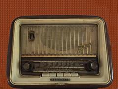 Radio Beromünster (peterpe1) Tags: radio explore telefunken beromünster fokussiert hohequalität peterpe1 jubilateflickr