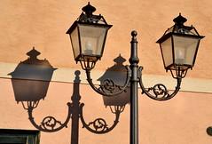 Favignana (Isole Egadi) - piazza Sant'Anna (ikimuled) Tags: lampioni favignana egadi