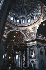 Bernini's baldachin  (vronique.ma) Tags: italy italia bernini baldachin baldaquino baroque art barroco rome roma vaticano vatican sanpietro michelangelo