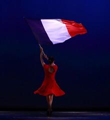 Pour la rpublique (Et si, et si ...) Tags: france couleurs danse gala drapeau lesmisrables danseuse