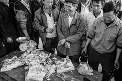 Meat market. (Pepe Soler Garcisnchez) Tags: bn bacha nex nex7 sapa sony sonyzeisssonnarte24mmf18za vietnam vietnamita zeiss24mm