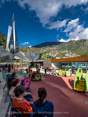 Primavera! Places & Parcs, Escaldes, Andorra city (lutzmeyer) Tags: pictures city family people primavera photography spring bath europe leute gente photos pics centre may center images menschen personas mai fotos mayo leisure below baixa spa gent unten freizeit andorra gents bilder imagen pyrenees springtime iberia frhling wellness pirineos pirineus iberianpeninsula pyrenen maig therme imatges caldea lliure frhjahr escaldes leasure freizeitpark thermalbad persones warmwasser escaldesengordany iberischehalbinsel stadtgebiet sacalma pratdelroure mfmediumformat andorracity urbanitzaciosantmiqueldengolasters lutzmeyer lutzlutzmeyercom leisureparc