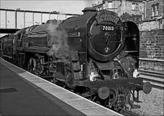 No, 70013 Oliver Cromwell at Scarborough (Silver Link) Tags: old oliver good engine days steam scarborough express spa cromwell the 70013 steanm