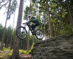 Step Down Gap (Hagbard_) Tags: friends berg fun jump mountainbike gap mtb wald freeride chill sprung spass leben adrenalin bergabrad dudzofsneznik