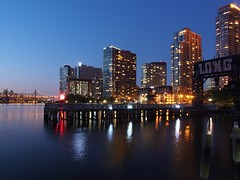 Otherside of the East River (beanhead4529) Tags: nyc newyorkcity queens hunterspoint eastriver bluehour longislandcity gantryplazastatepark