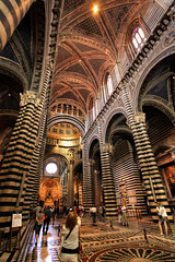 Siena Cathedral / Cattedrale di Santa Maria Assunta (Fr@nk //) Tags: travel italien light shadow vacation italy sun holiday art church window topf25 june architecture choir night canon stars iso3200 star topf50 europa europe italia catholic shadows cathedral god dom pillar kathedra