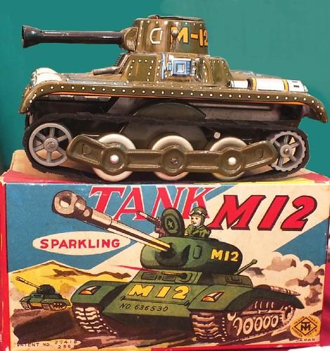 Modern Toys tank M12