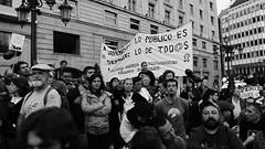 Defender lo publico es defender lo de todos (jlmaral) Tags: espaa spain asturias protesta oviedo pancarta asturies reivindicacion premiosprincipedeasturias 2013 defenderlopublicoesdefenderlodetodos