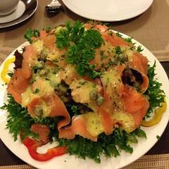 สลัดแซลมอนรมควัน | Green Salad With Smoked Salmon @ ชดา สเต๊กเฮาส์ | Chada Steakhouse
