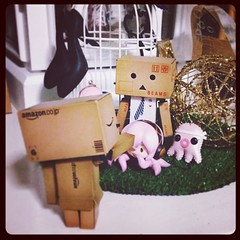 Geek: FYI noob. I'm the boss here! | B1: Huh A (TURBOW) Tags: square squareformat hudson danbo danboard iphoneography instagramapp uploaded:by=instagram