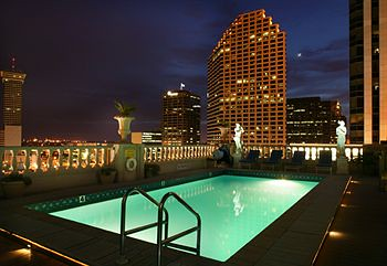 Le-Pavillon-Hotel-New-Orleans-Swimming-Pool.jpg