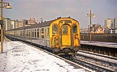 2306 At Vauxhall (Deepgreen2009) Tags: snow london station fast railway southern portsmouth february vauxhall 4bep