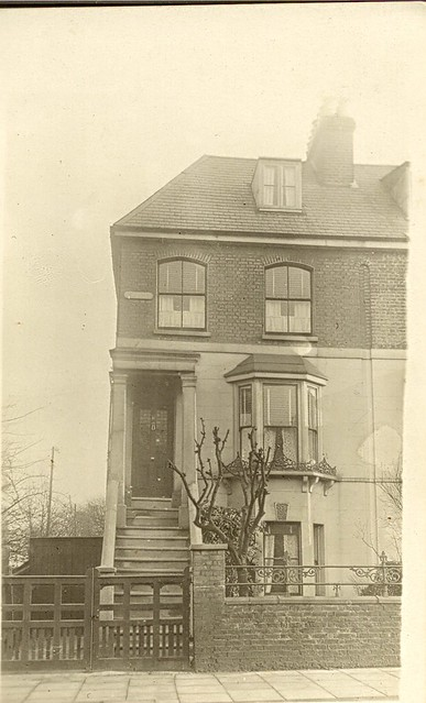 16_Warwick_Rd_Southgate_London_Destroyed_in_Blitz_1941_Family_house_sold_1938