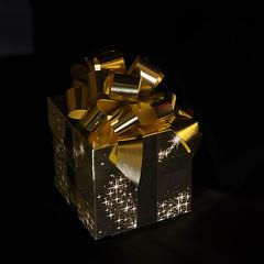 Happy Birthday (PhotosbyDi) Tags: birthday stilllife nikon celebration gift present d600 nikonf282470mmlens martzimages martsmart