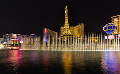 Las Vegas By Night (Tongho58) Tags: paris lasvegas bynight ballys
