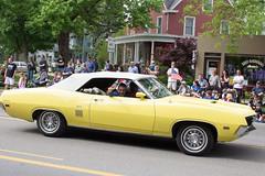 IMG_2841 (marylea) Tags: classic car vintage classiccar parade memorialday 2015 may25 memorialdayparade