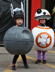 Death Star & BB8 - Star Wars - 2016 Calgary Comic & Entertainment Expo (Kyla Duhamel) Tags: starwars deathstar bb8 calgarycomicentertainmentexpo 2016calgarycomicentertainmentexpo