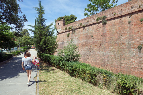 2016-05-13 05-28 Toskana 861 Grosseto, Medici Stadtmauer