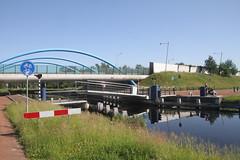 brug gaat omhoog in Assen (willemsknol) Tags: assen vaart recreatievaart willemsknol