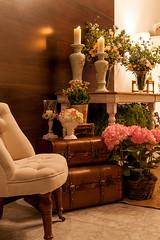 IMG_0226_Julia_Ribeiro (marianabassi) Tags: casaitaim rústico romântico branco rosa composição corredordeentrada mala porcelana cristal cerâmica