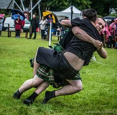 Scottish Backhold Wrestlers (FotoFling Scotland) Tags: scotland argyll event lochlomond highlandgames luss lusshighlandgames lussgathering